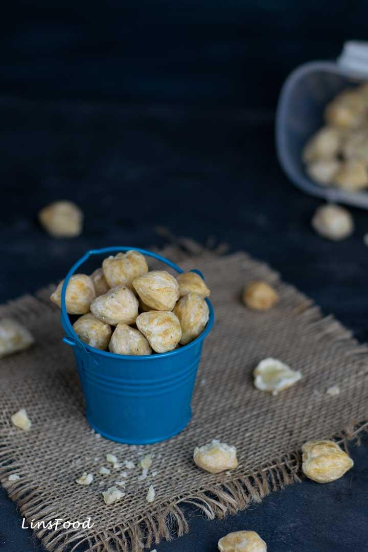 Candlenuts, Buah Keras in a little bucket